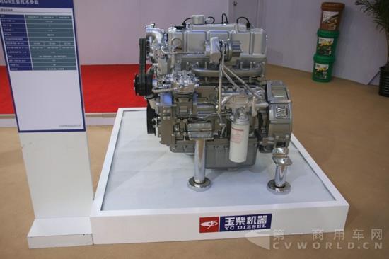 力推小排量燃气机 填补行业空白 基于对未来燃气机市场的乐观判断,玉柴最新发布了两款天然气发动机,分别为排量3L的YC4FAN和4.7L的YC4EGN。 目前在3L左右排量的发动机领域,缺少一款整体性能表现稳定、质量可靠的天然气产品。所以玉柴经过3年时间的研发,开发出了4FAN这款3L气体发动机。谭雪峰解释道。 据介绍,YC4FA系列是玉柴与AVL咨询公司合作,严格按照德国FEV公司机械开发程序全新设计开发的3.