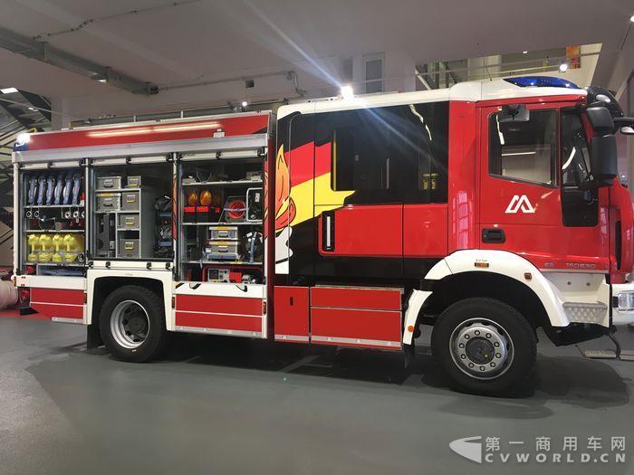 马基路斯消防车.JPG
