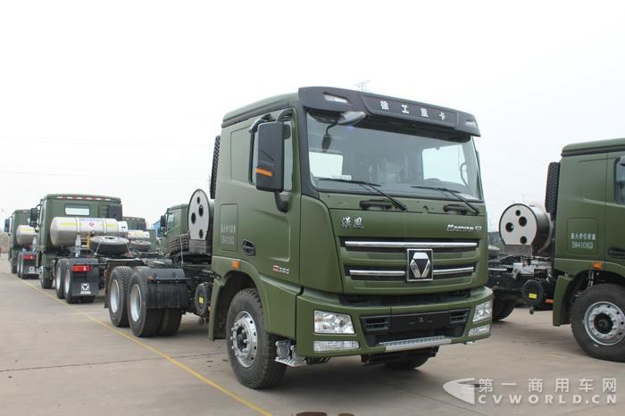漢风6×4 LNG牵引车 (4).jpg