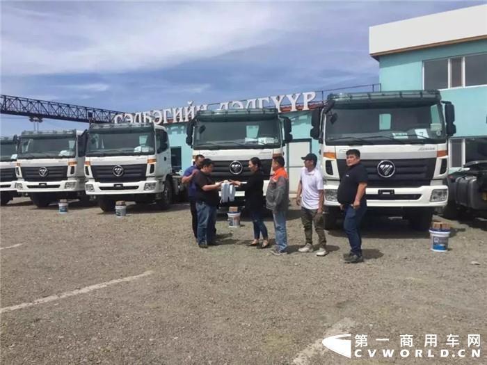 5月10-12日,福田汽车参展2019年蒙古国国际进出口博览会(MIIEF 2019)。在参加博览会之前,福田汽车在蒙古国首个专业组织客户批量订单正式交付,这也是福田汽车代表中国汽车品牌在国际舞台的又一次重磅亮相。