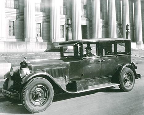 【第一商用车网 原创】无论在中国还是在全世界,百年老店都不多见。在汽车零部件行业,百年老店同样非常稀有。康明斯这样一个汽车零部件企业,是如何走过百年的呢?