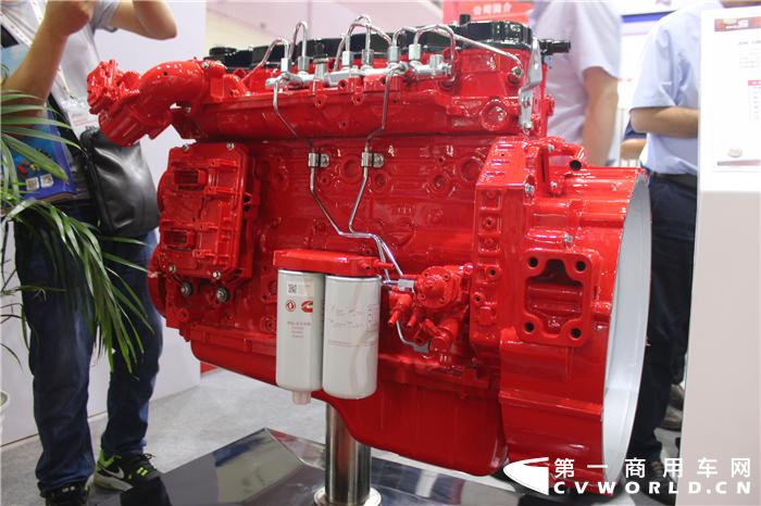 """8月9日-8月11日,第十八届中国国际内燃机及零部件展览会(简称""""内燃机展"""")在北京中国国际展览中心(老馆)举行。本届展会延续了去年""""创新驱动、节能减排、绿色制造""""的主题,全面展示了我国各类内燃机及零部件、再制造技术产品、氢能与燃料电池技术和应用、专用制造装备以及相关技术和服务等。"""