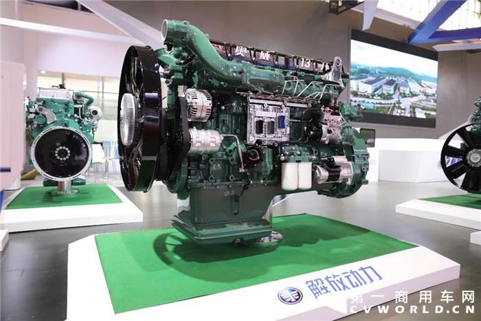 8月9日,第十八届中国国际内燃机及零部件展览会在京开幕。解放动力携六款柴油机、一款天然气发动机共七款产品参展。这是继6月26日解放动力品牌发布后首次以新形象在行业面前亮相。