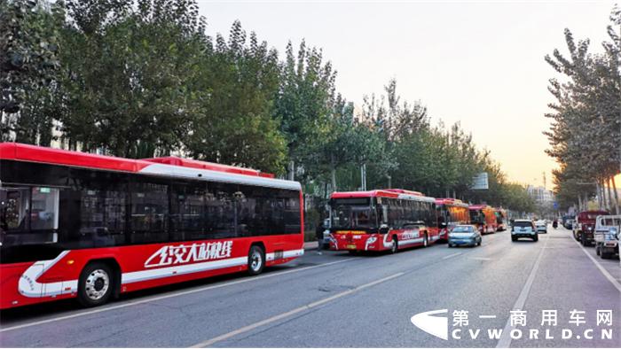 """2020年1月10-12日,以""""把握形势 聚焦转型 引领创新""""为主题的中国电动汽车百人会论坛(2020)北京盛大举行。政府有关部门和汽车、能源、交通、城市、通讯等领域的行业机构和领先企业代表共享盛举,前瞻全球汽车市场和行业的变革趋势,为新能源汽车产业高质量发展建言献策。"""