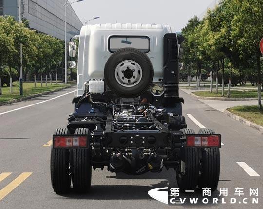 近日,工信部发布第334批新车公示,其中一款卡车引起了小编的注意,这就是宇通客车推出的一款柴油卡车。