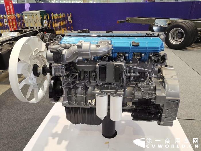 潍柴WP8 350马力国六柴油发动机.jpg